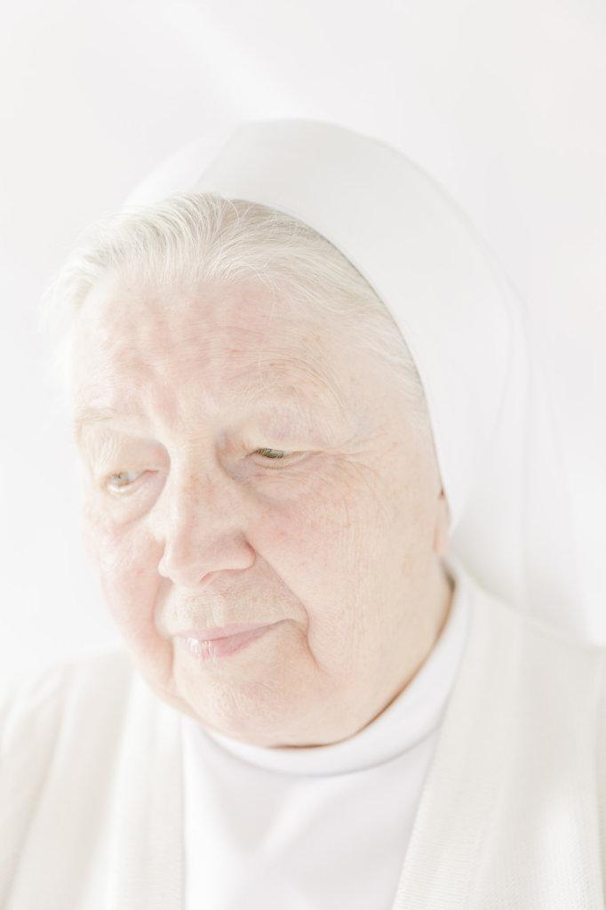 SISTER ANEMUNDA