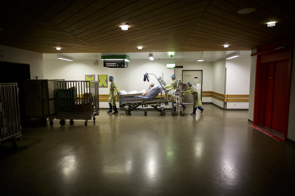 2020-COVID-Unispital-Basel-Fiechter-19.jpg